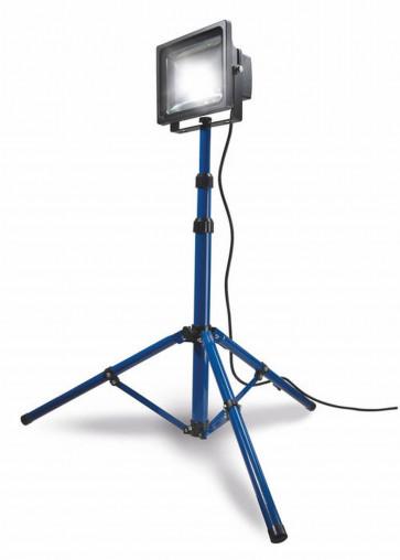 Schwabe Chip LED-Strahler 30 Watt 2300 Lumen, IP65,  mit Stativ max. 1,60 m,
