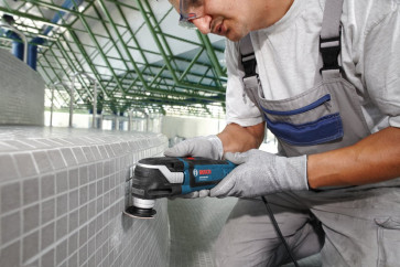 Bosch Multi-Cutter GOP 300 SCE
